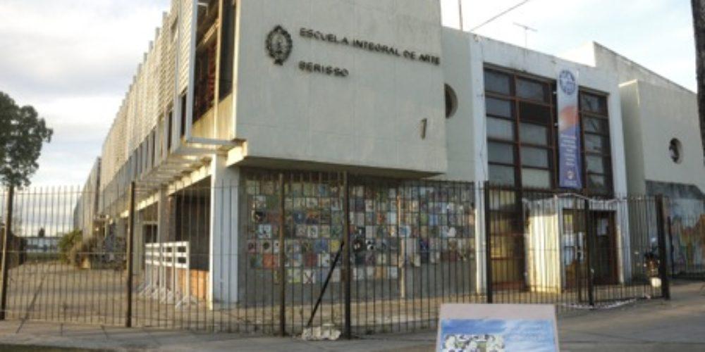 121-EscuelaArteBerisso